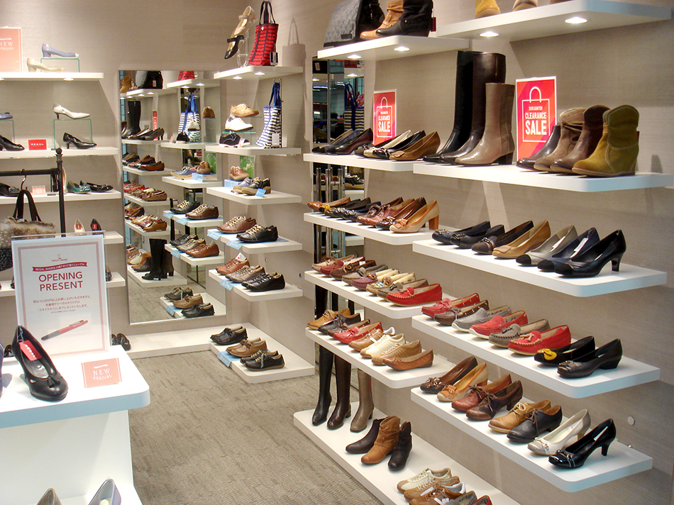 REGAL SHOES_川崎アゼリア_店内02_web