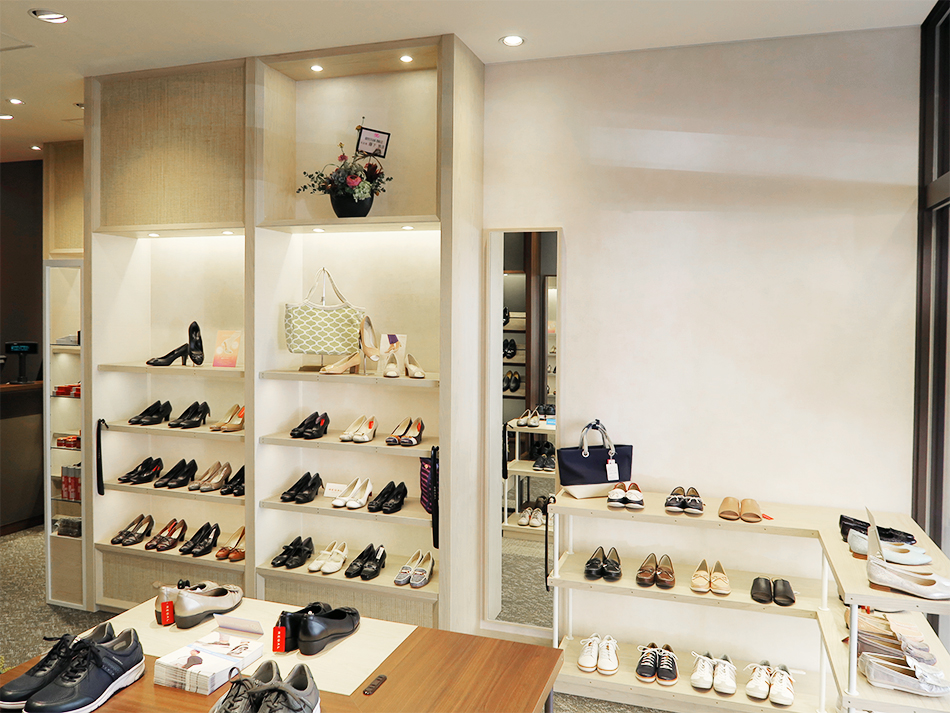 REGAL SHOES 豊橋店
